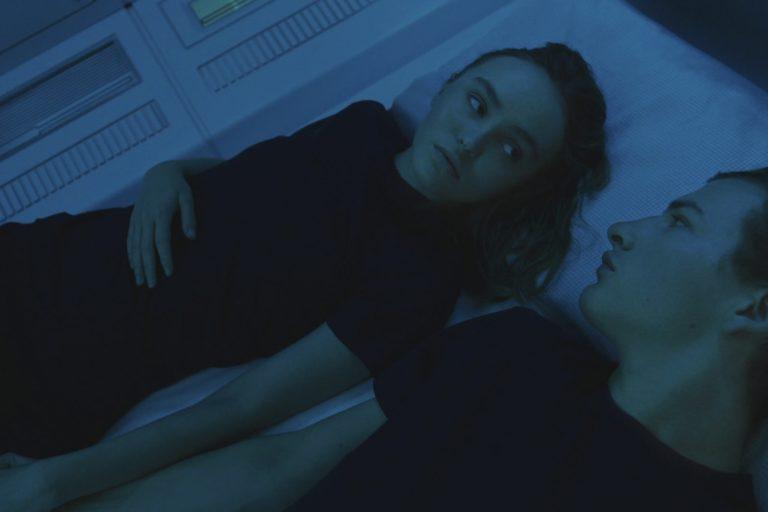 "tye sheridan ve lily-rose depp'in bilim kurgu filmi ""voyagers""tan fragman"