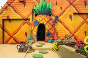 spongebob squarepants hayranlarına müjde; ananas eviniz karaya geldi!