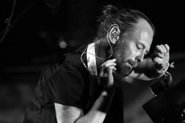 thom yorke, creep'in akustik bir remix versiyonunu tokyo moda haftası için hazırladı