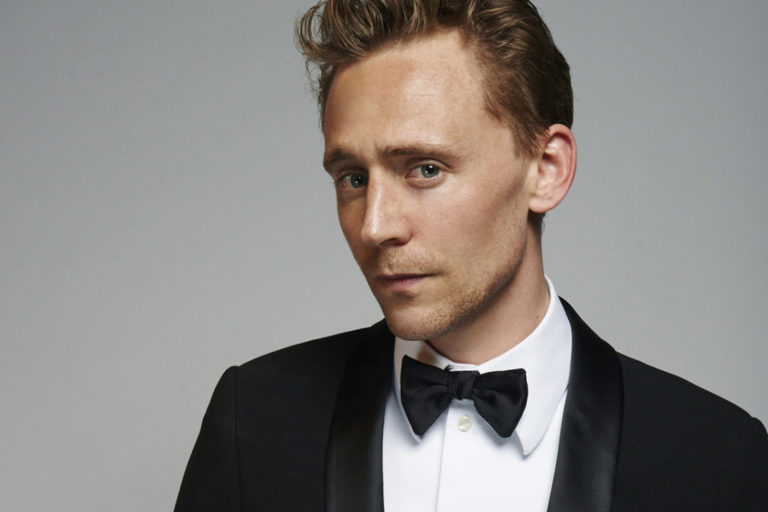 "tom hiddleston, apple tv'nin ""the essex serpent"" kadrosuna katıldı"