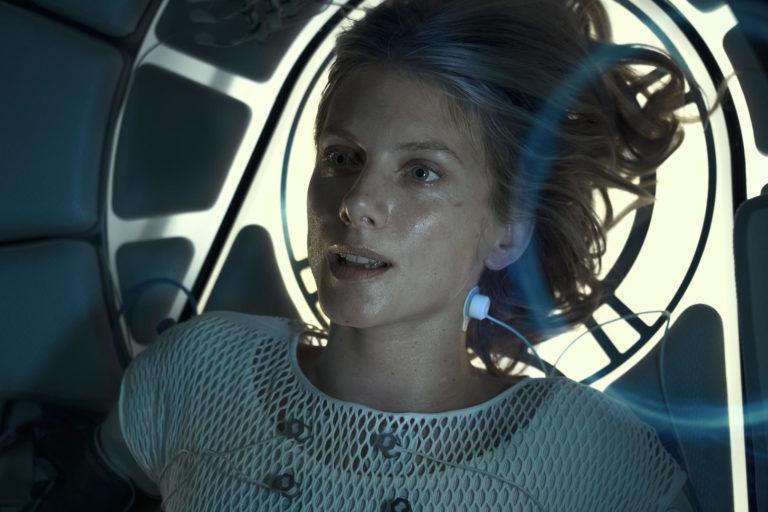 """mélanie laurent'ın bir kapsüle hapsolduğu """"oxygen"""" filminden yeni fragman"""