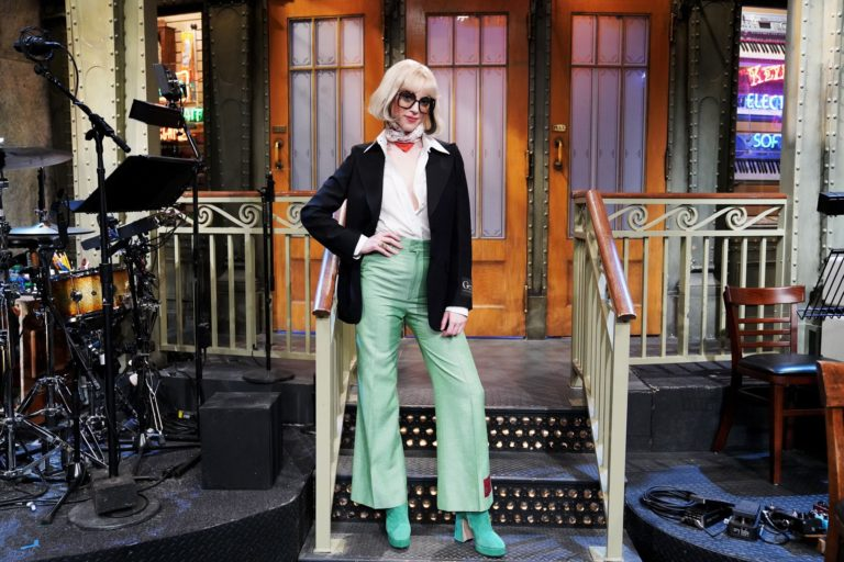 saturday night live'dan bir st. vincent geçti