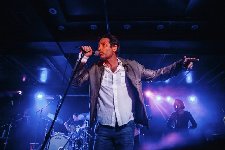 david duchovny'nin üçüncü albümü, 20 ağustos'ta geliyor