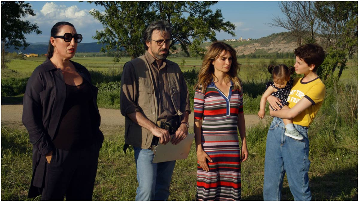 "pedro almodóvar'ın ""parallel mothers"" filminden ilk kareler"