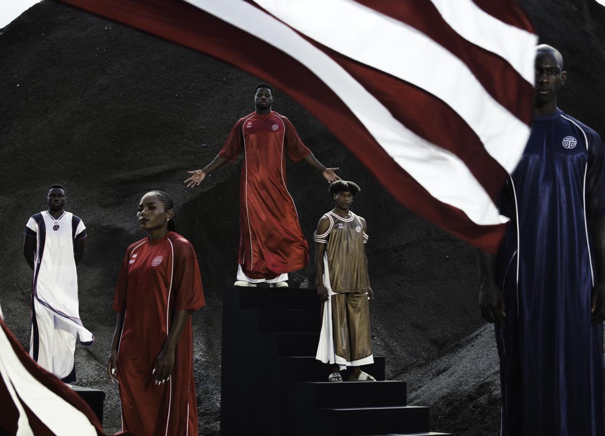 telfar, liberia olimpik takımının üniformalarını tasarladı