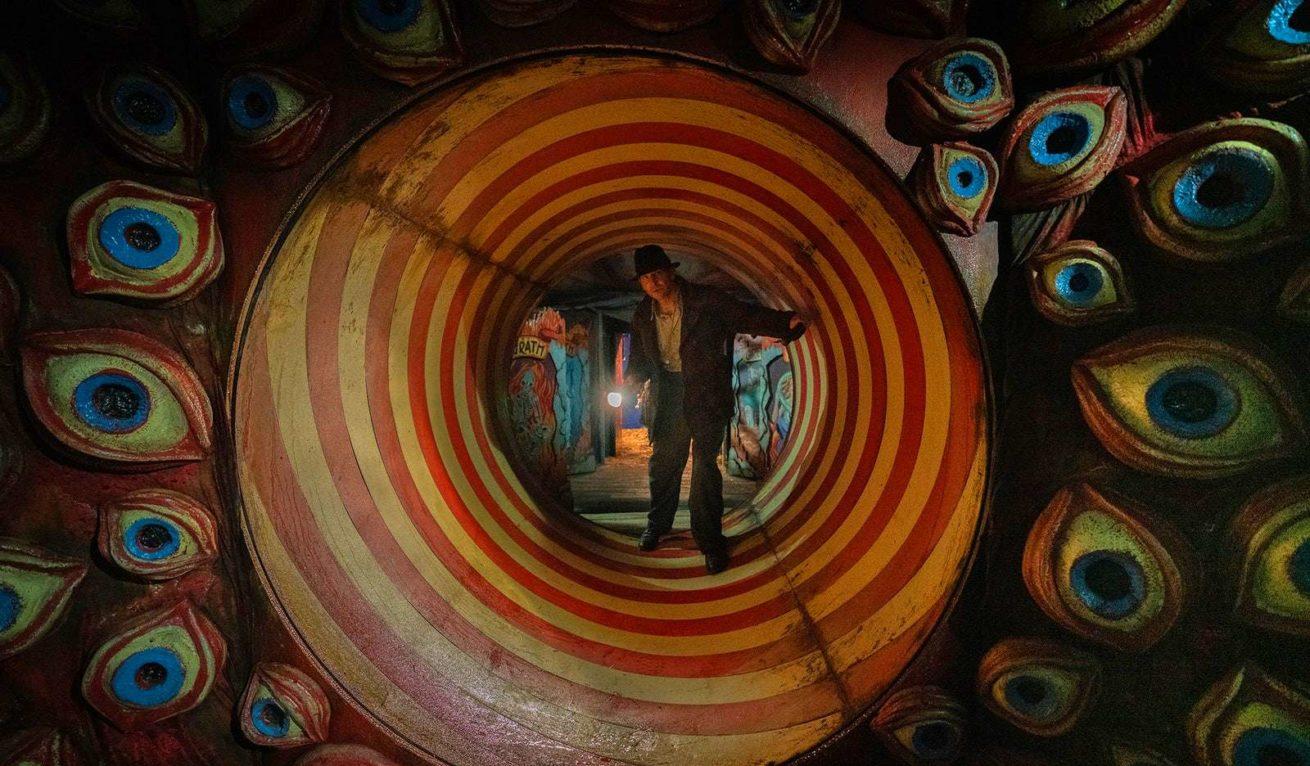 guillermo del toro'nun yeni filmi nightmare alley'nin fragmanı yayınlandı